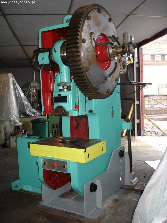 Eccentric press LEN P 63 - flywheel on the side