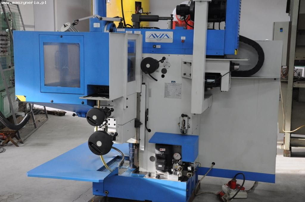 CNC milling machine AVIA FNE 40 Z with manual manual hand wheel